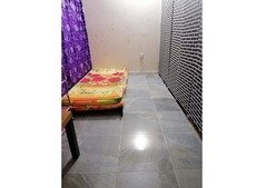 Half room/couple&single partition/bed space available for Filipino