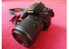Nikone D3400 for sale in with 55-200 lense