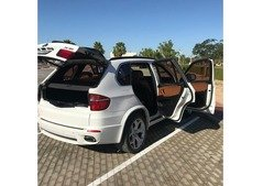 BMW X5 - Very Clean, Model 2010, Mid Option.