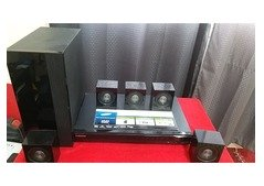 Sony subwoofer and amplifier For Sale in Ajman
