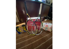 Selling a full Wilson Tennis set used only once