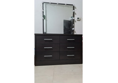 Dressing table with mirror and 6 drawers