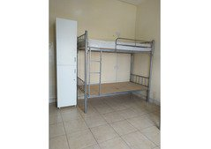 AVAILABLE LADIES BED SPACE AT BUR DUBAI DHS.650 INDIANS ONLY