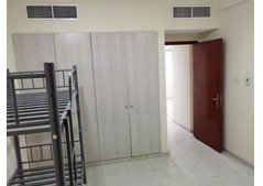 Room and 2 partitions available for rent in Oud Metha