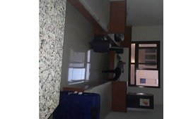 Executive Studio flat 1 bed space available for a Working Woman